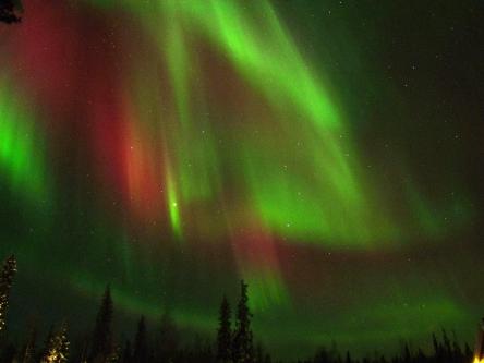 626136main_Thomas-Kast-aurora120227_full