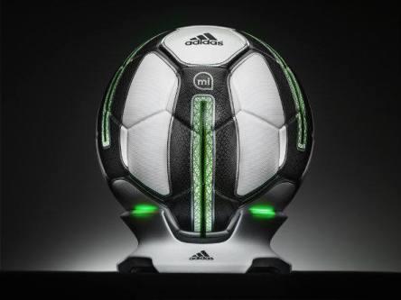 size_590_Adidas_lança_bola_que_mede_desempenho_dos_jogadores