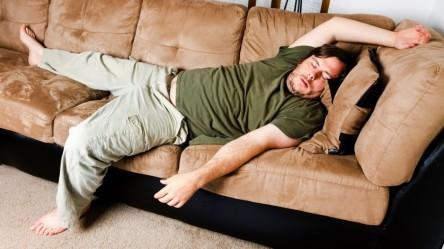 dormir-demais-sentar-muito-838x471