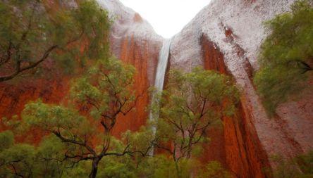 cachoeira-deserto-australia-1400x800-0117